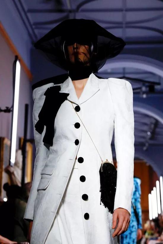 """伦敦时装周可别忘记了这些""""中流砥柱"""""""