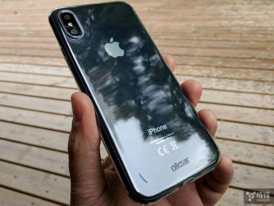 iPhone 8 原型真机和 iPhone 7上手对比