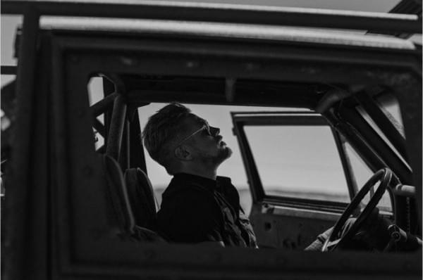 金属的对决 – 《金刚狼3》曝反派机械臂特写剧照的照片 - 3