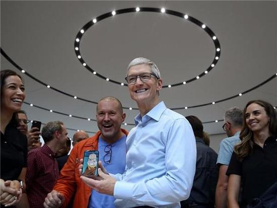 小盘点:苹果冲向万亿市值的这个2017年