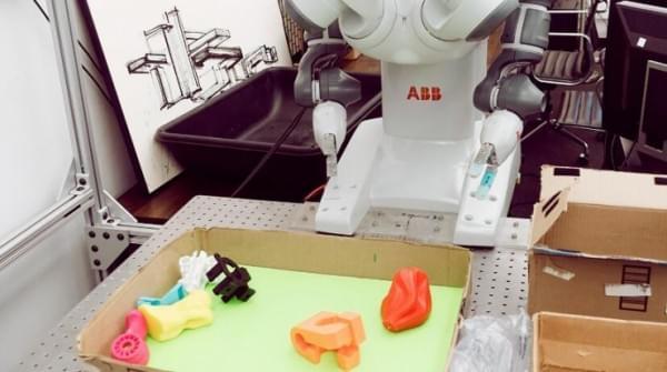 为什么让机器人抓取个物品那么难?的照片 - 2