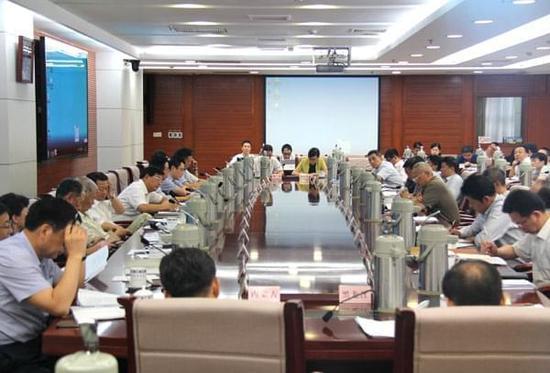 发改委召开部分省区城市群规划编制工作座谈会