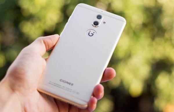 双摄柔光自拍很安全:金立S9正式发布 售价2499元的照片 - 4