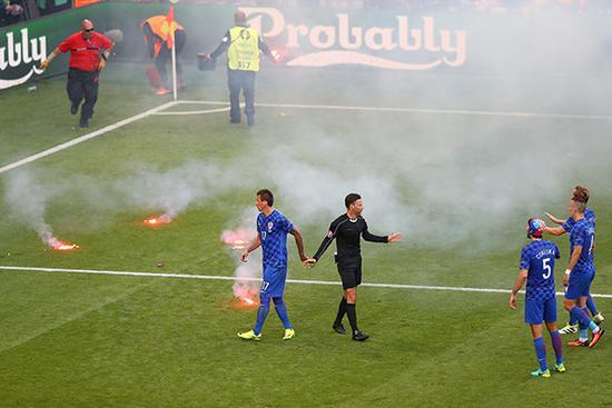 神剧情!克国球迷希望决赛输法国 昔日传奇成魔头魔笛涉嫌作伪证