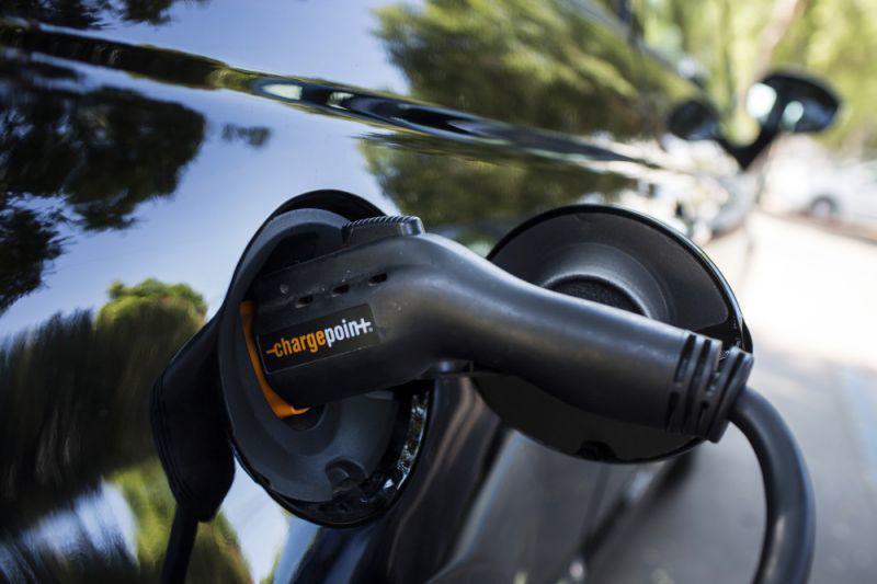 这家创企承诺电动车15分钟充满电 然后行驶400公里