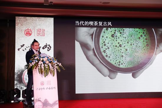 上海韩天衡美术馆艺术总监、西泠印社社员韩回之致辞