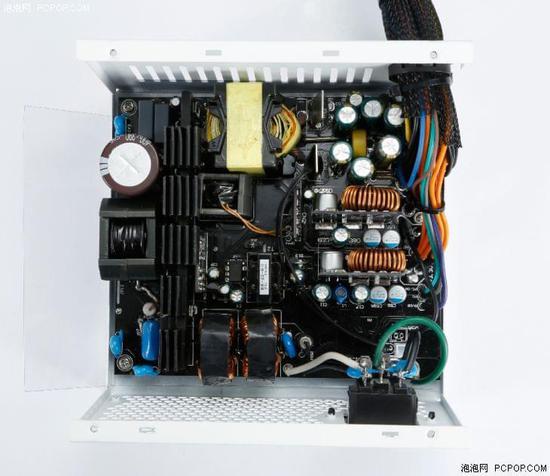 纵观鑫谷gp600t钛金电源内部结构,纯血-llc谐振搭配dc-dc纯直流低损