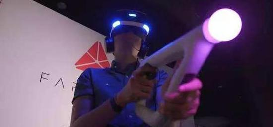 索尼和Valve合作将推出新的VR控制器