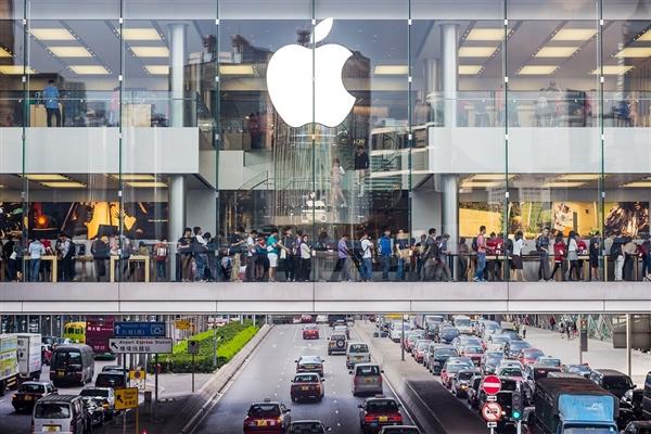 苹果股价暴跌7.4%:市值不足1万亿美元