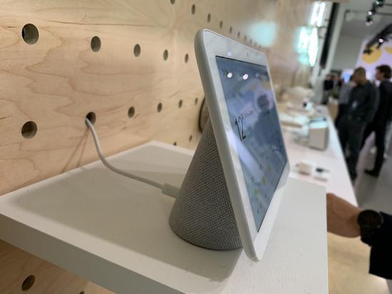 谷歌发布Home Hub家庭智能助手 带屏幕功能多