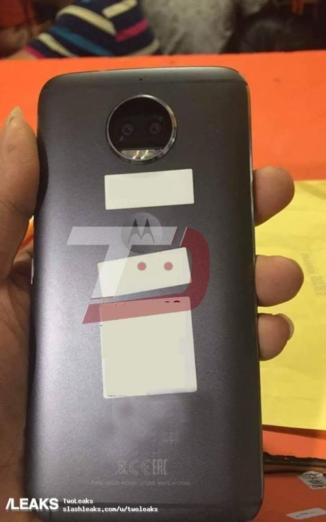 Moto G5S Plus曝真机照:彩色黑白双摄