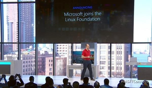 """微软以""""白金会员""""的身份加盟了Linux基金会的照片"""
