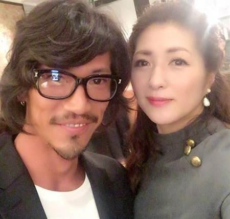 伊藤香里与老公