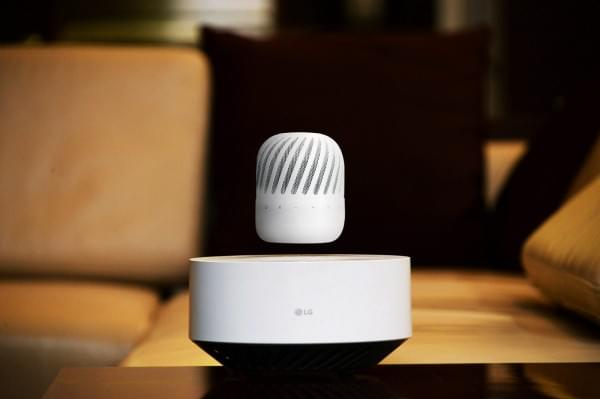 LG发布360度浮动扬声器 可无线充电的照片 - 2