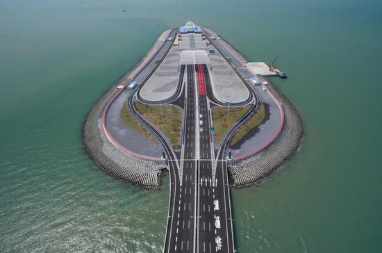 港珠澳大桥人工岛防波堤被冲散?官方回应:报道不实
