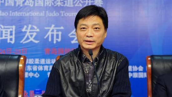 崔永元举报警察涉违法警方:调查小组联系未获回复