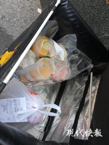 餐饮新规让冷热食品分开放 外卖员:送餐快没必要分