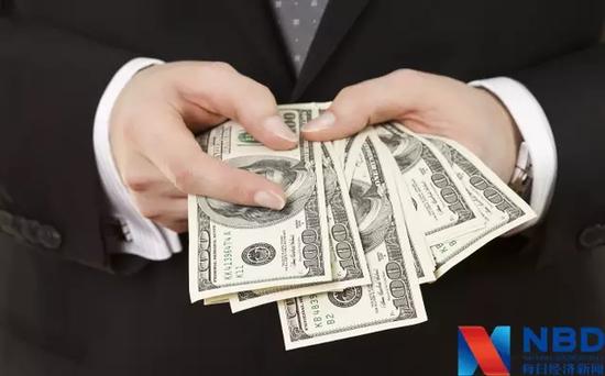 特朗普推历史性税改法案:富人将得利 中产要哭了