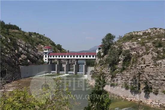 山东潍坊政府称实际降水量远超预报 气象台长回应
