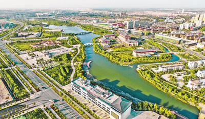 """荒漠上筑起""""绿色长城""""(在习近平新时代中国特色社会主义思想指引下——新时代新作为新篇章)"""