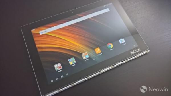Lenovo Yoga Book笔记本评测:独特的2合1笔记本的照片 - 5
