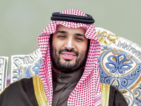沙特土豪撩遍全世界连英国也献媚 如今转身回家
