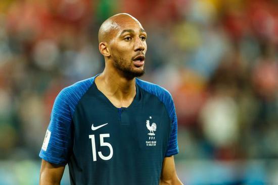 全村的希望? 非洲球迷:是我们赐予法国夺冠资格