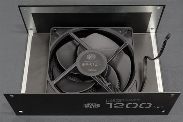 酷冷至尊7000元旗舰电源内部大曝光:日本原味华丽堆料的照片 - 3