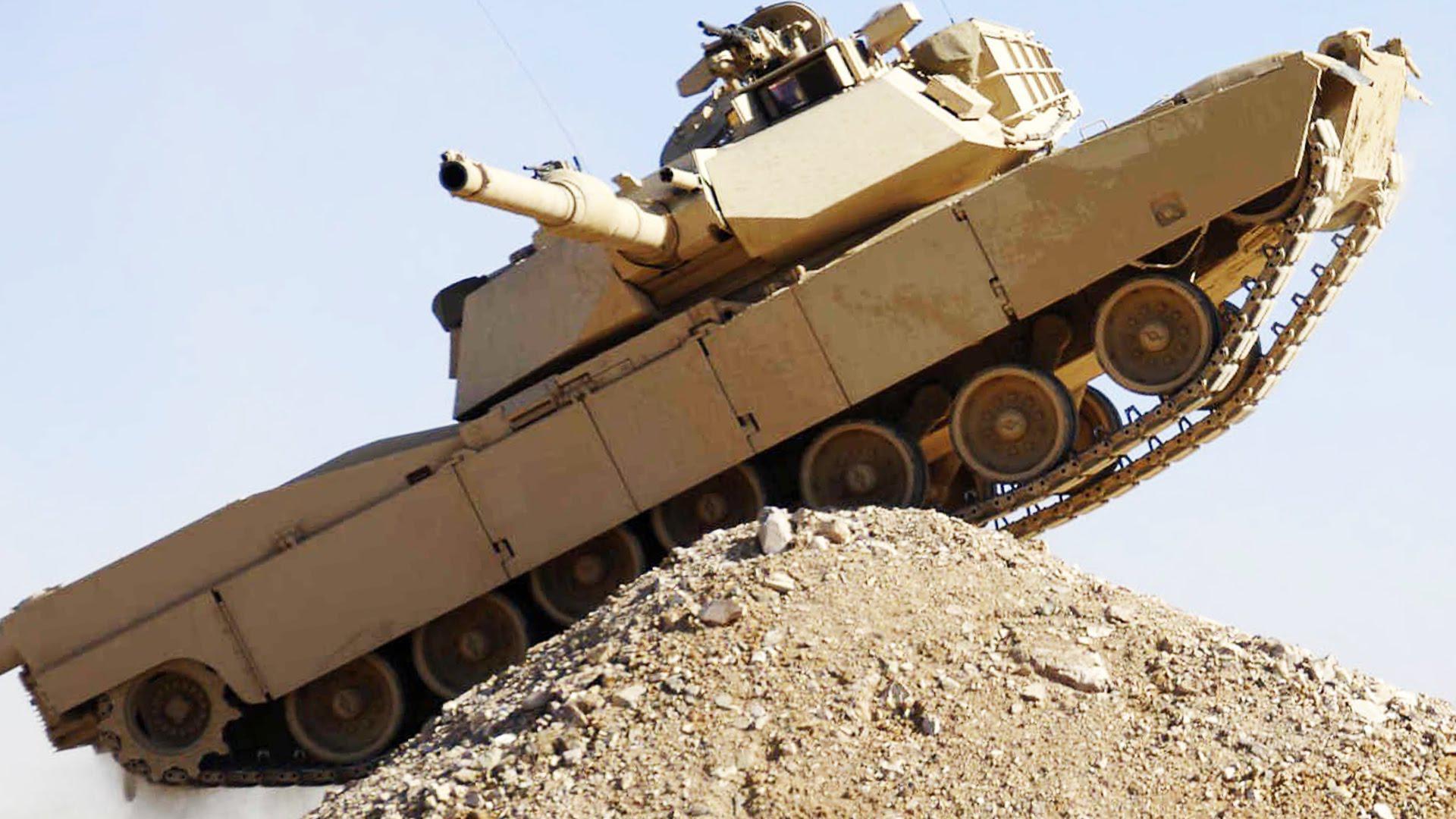 美军M1坦克军演出事故 致3名士兵受伤
