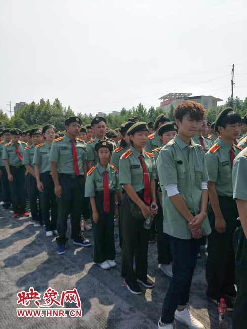 河南10岁女孩儿上大学:不接受特殊待遇