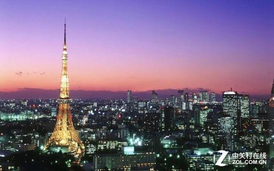 这座比巴黎埃菲尔铁塔还高的铁塔,塔上的灯光照明由世界著名照明设计
