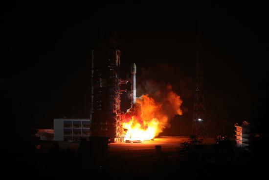 我国成功发射第42、43颗北斗导航卫星