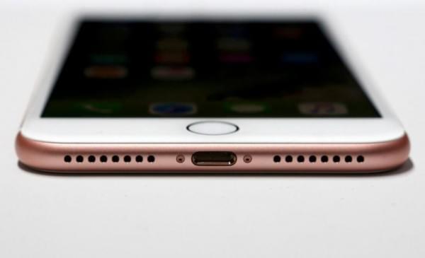 iPhone 7不用USB-C接口 苹果是否太固执?的照片 - 1