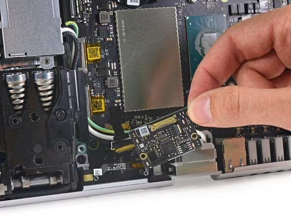 Surface Studio拆解:内部有ARM处理器 可轻松更换硬盘的照片 - 22