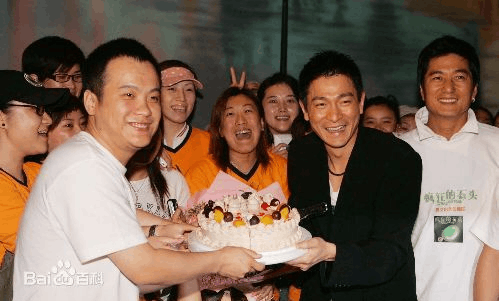 """王思聪进军影视圈,斥资千万打造""""掘地计划""""扶持青年导演"""