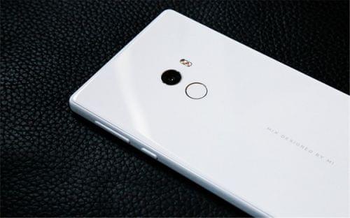 小米内部人士微博爆料 白色MIX或将开售的照片 - 1