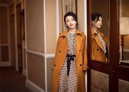 杨菲洋与刘涛,两位职场女神亮相米兰时装周