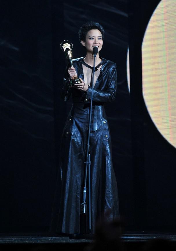 卢凯彤于金曲奖上公开同志身份并承认已婚