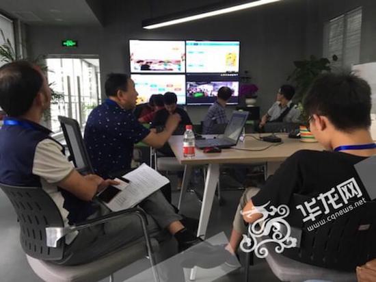 11省市网媒记者调研重庆科技企业 创新产品引赞叹