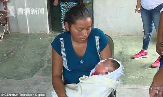 女婴被医院宣告死亡 葬礼时突然当妈妈面活过来
