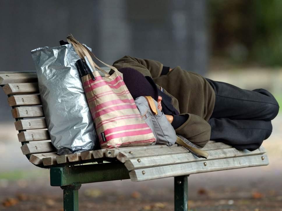 英国政府计划投入1亿镑 10年内消除流浪汉现象