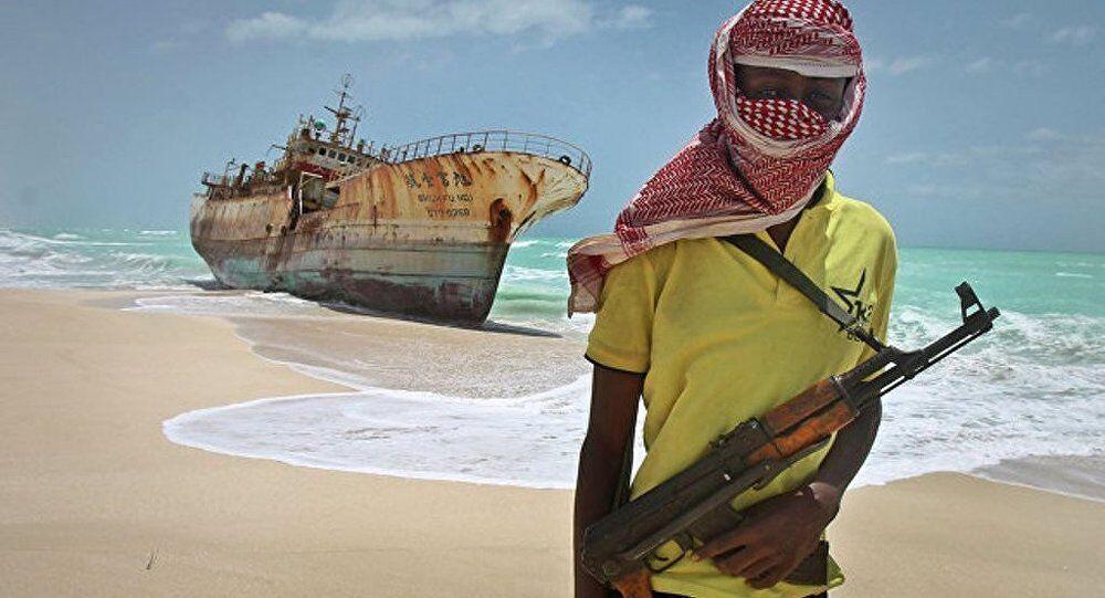 瑞士货船尼日利亚海岸遭遇海盗 12名船员被掳走