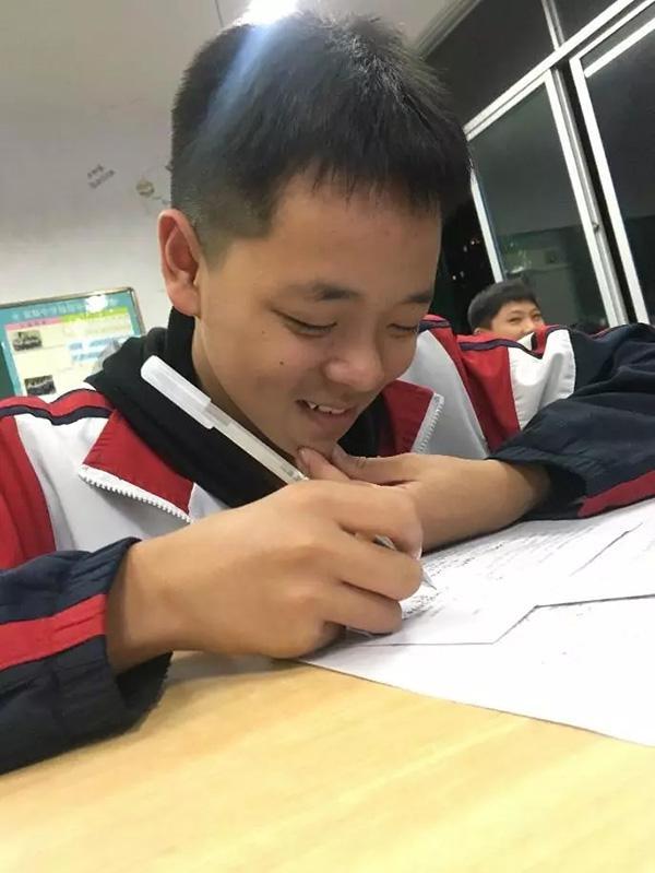 最爱是鹿晗还是老师?这份试卷让学生们直呼太难了