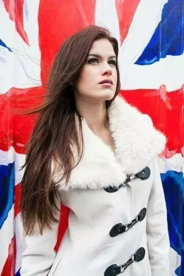 26岁剑桥学霸热心公益获赞 曾获英格兰小姐称号