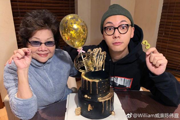 陈伟霆与妈妈温馨庆生. 母子同天生日直呼很幸运