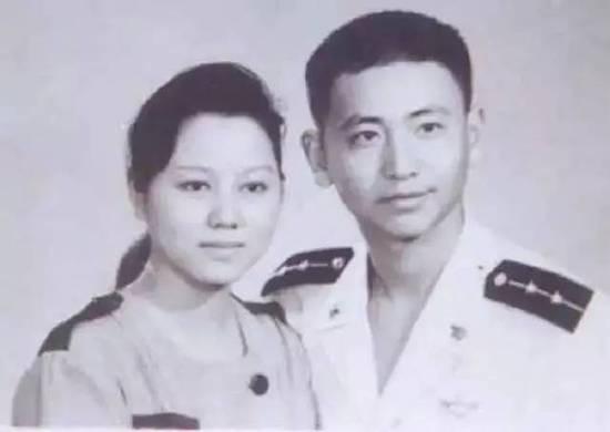 """长大了!""""海空卫士""""王伟之子成为一名军人"""