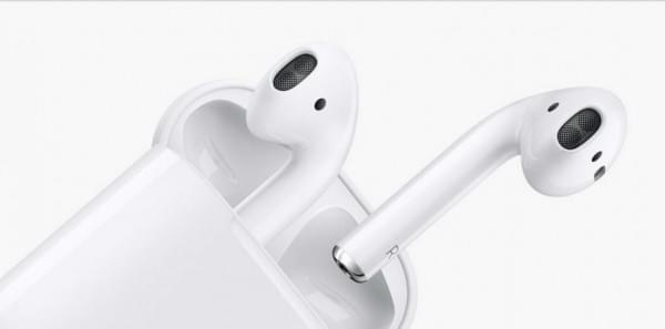 苹果推出目前最革命性的无线耳机AirPods的照片 - 2