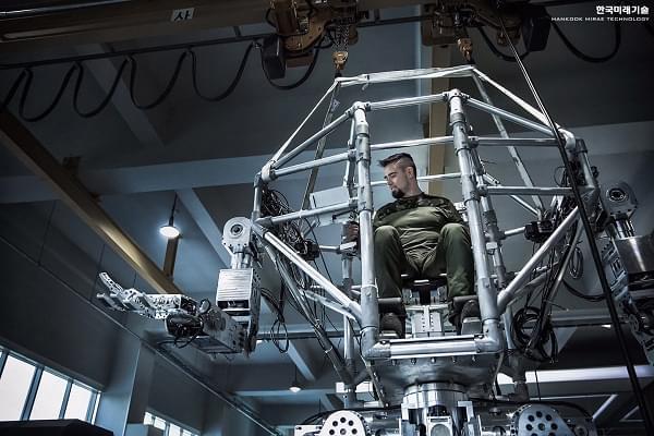 Hankook Mirae展示四米高的Method-2载人两足机器人的照片 - 7