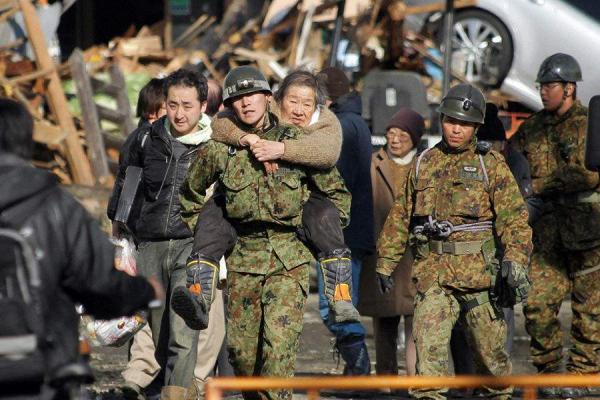 日本自卫队动态:出秘密报告 救灾做快餐11万份