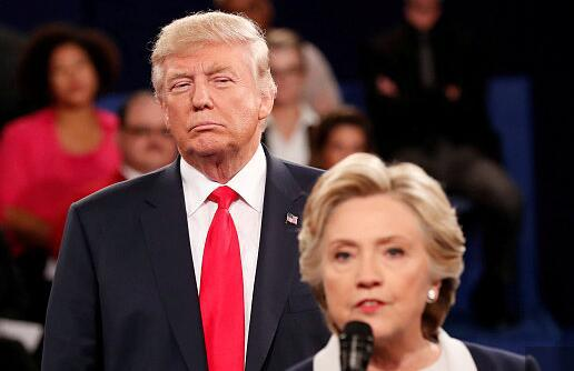 希拉里奚落特朗普:美俄会晤,你知道自己站哪边?
